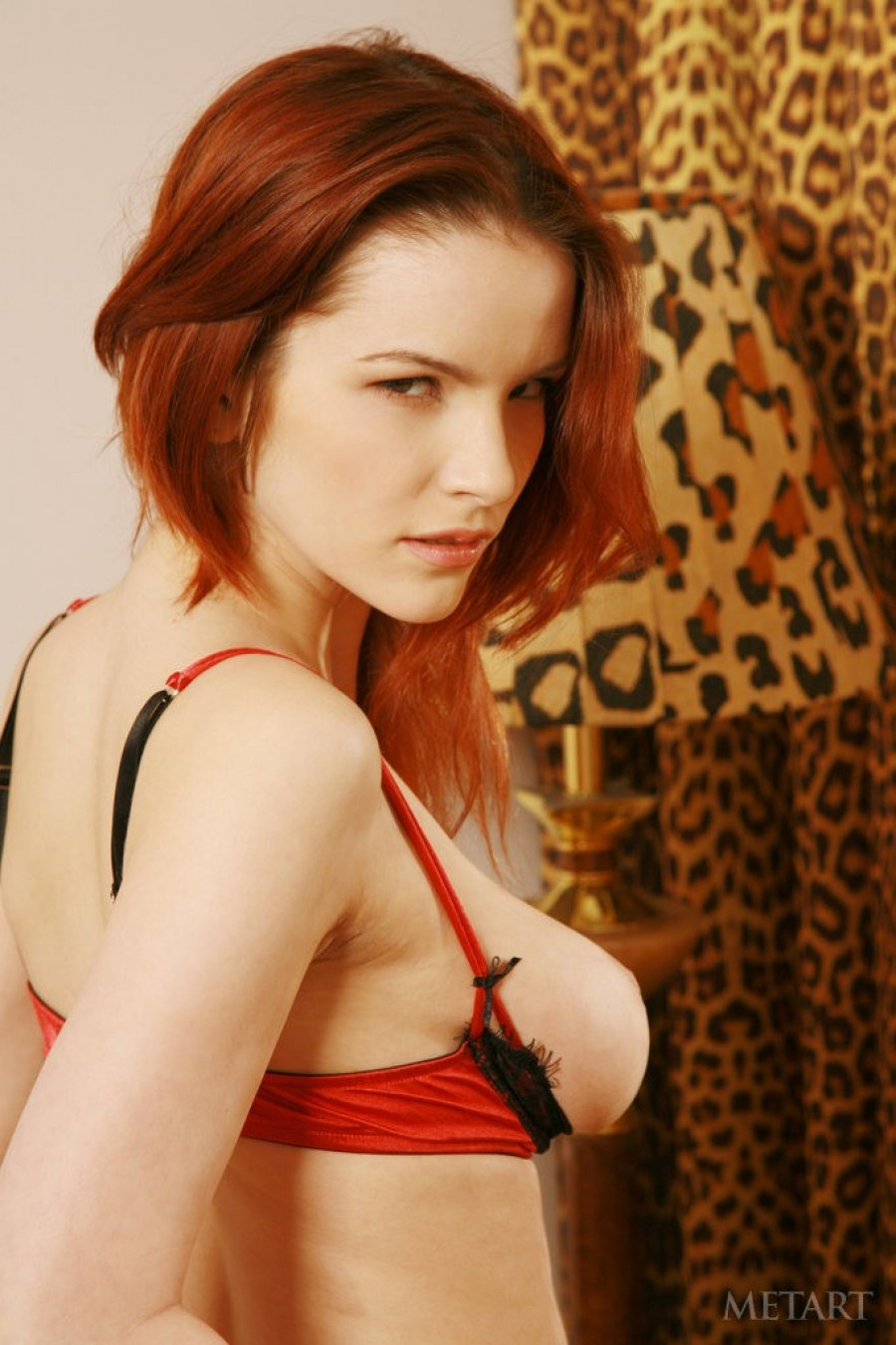 Wild solo session from adorable redhead